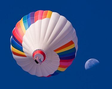 moon and balloon
